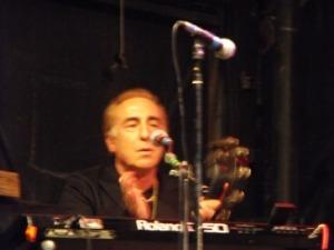 A blurry Kenny Laguna