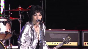 Joan Jett APMAs screencap